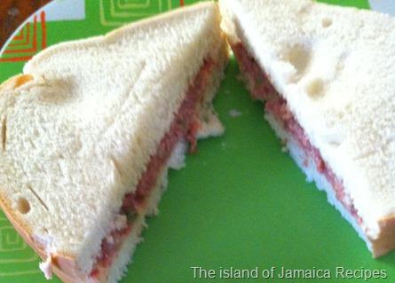 bulley beef sandwich